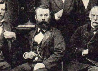 Władysław Folkierski siedzący między Tadeuszem Stryjeńskim a Ernest Malinowski, 1874, domena publiczna